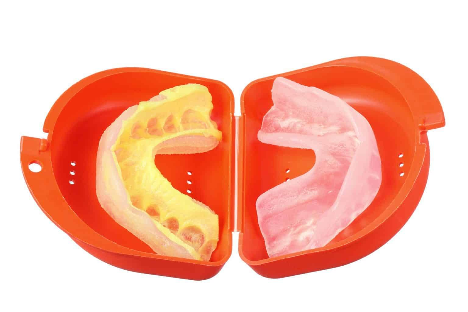 mouthguard for upper and lower teeth